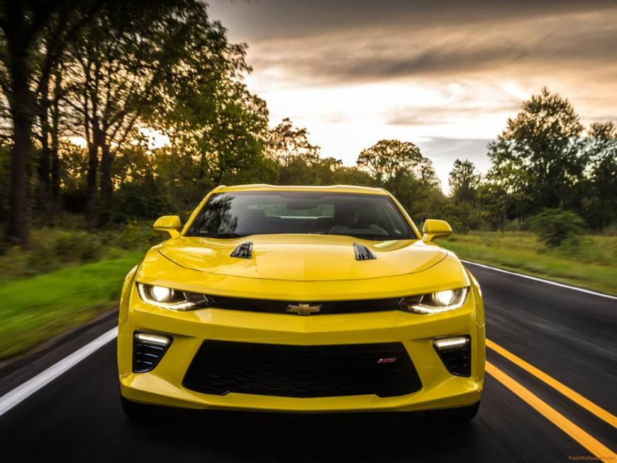 Chevrolet Camaro 2016: Power Packaged Impractically