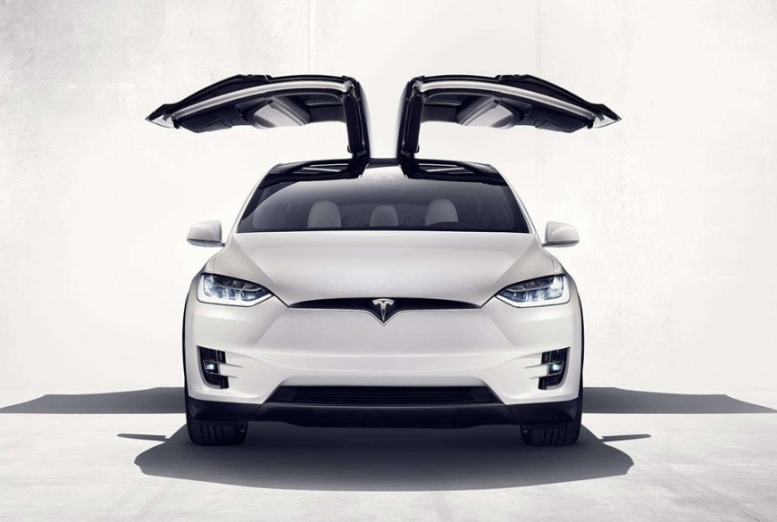 Tesla Model X 2016: Electric Crossover with Wings