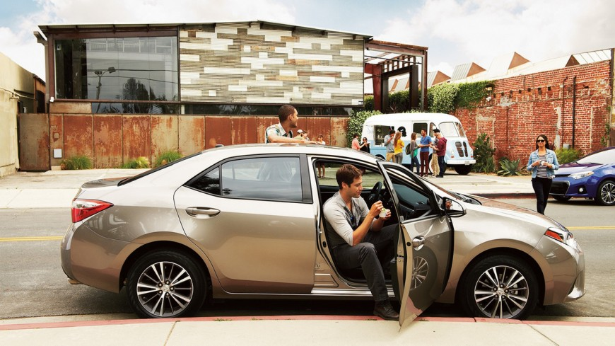 Toyota Corolla 2016: Touches All Bases